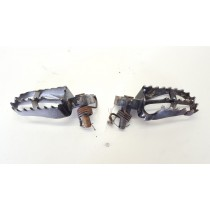 Footpegs Yamaha YZ125 2000 YZ 125 Left Right Foot Rest 1999-2003