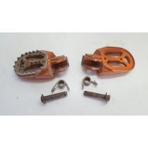 Apico Footpegs Steps KTM 300 EXC 2009 09-20 200 250 400 450 530 690 #698